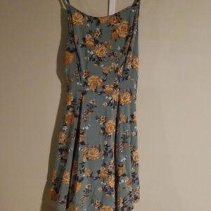 Beautiful floral dress by Charlotte russe
